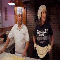 VIDEO: Laura Benanti Tries Her Hand at Pizza Making in Latest 'Workin It' Video