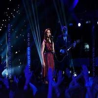VIDEO: Martina McBride Performs 'Somewhere Over the Rainbow' on AMERICAN IDOL