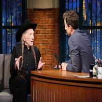 VIDEO: Willie Nelson Shares His Love for Snoop Dogg & More on LATE NIGHT