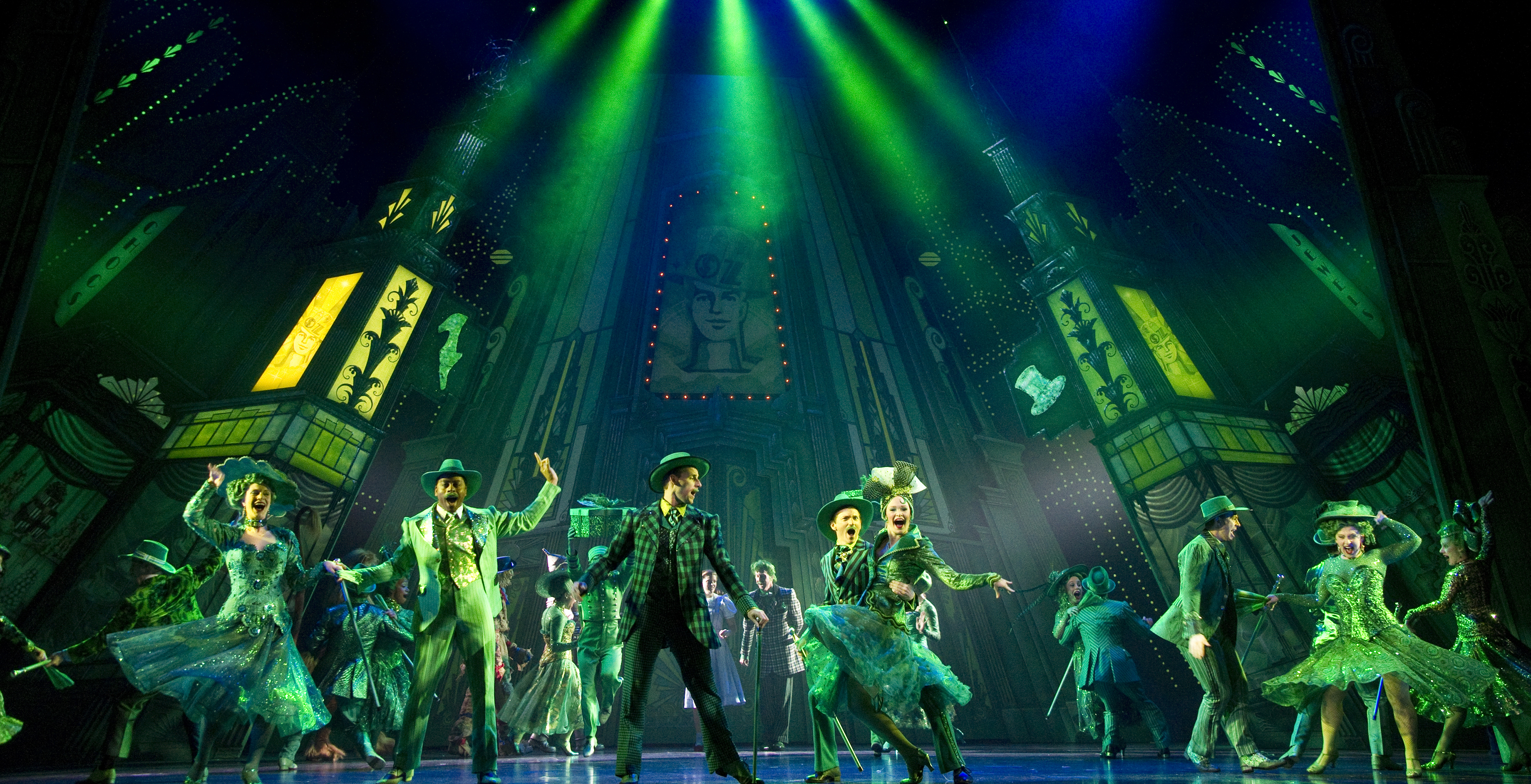 Bww Reviews Wizard Of Oz Has The Brain Nerve And Most Of