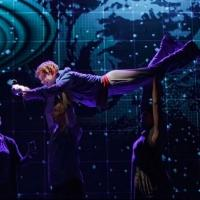 Photo Flash: More from Broadway's THE CURIOUS INCIDENT OF THE DOG IN THE NIGHT-TIME!