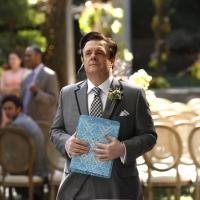 First Look - Nathan Lane Guests on Season Finale of MODERN FAMILY, 5/21
