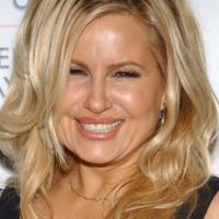 Jennifer Coolidge to Lead SAVING KITTY at Nora Theatre Company