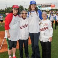 Photo Flash: A LEAGUE OF THEIR OWN's Geena Davis & Rosie O'Donnell Reunite w/Members of 1940's All American Girls