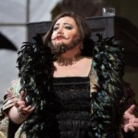 BWW Interviews: 'Girl Singer' Stephanie Blythe, the Met's Bearded Lady and the Songbird of the South