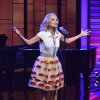Photo Flash: Kristin Chenoweth Appears on Today's LIVE w/ KELLY AND MICHAEL