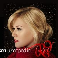 Kelly Clarkson Performs 'Underneath The Tree' & Talks Christmas