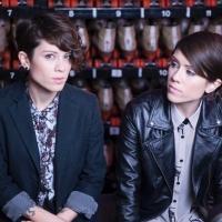 Tegan & Sara Join Macklemore Onstage for Performance of 'Same Love'