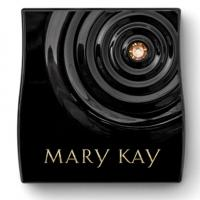 Neiman Marcus Salutes Mary Kay Inc.'s 50th Anniversary with Custom Display