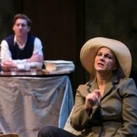 BWW REVIEW: Reading Between the Lines in DEAR ELIZABETH