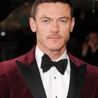 Universal Bumps DRACULA Reboot with Luke Evans & Samantha Barks to Oct. 2014