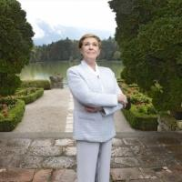 Julie Andrews Talks NBC's SOUND OF MUSIC & More: 'Everyone Should Have a Crack At It'