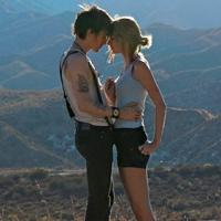 Taylor Swift's 'I Knew You Were Trouble' starring B'way's Reeve Carney Wins VMA for Best Female Video