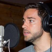 Exclusive Photo Coverage: Zachary Levi & FIRST DATE Cast Tell It on the Mountain for Carols for a Cure