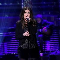 VIDEO: Idina Menzel Performs 'River' from Holiday Album on TONIGHT SHOW