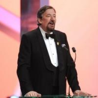 Stephen Fry to Return as Host of EE BAFTA FILM AWARDS