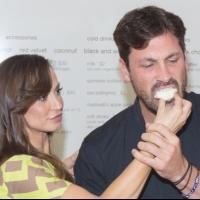 Photo Coverage: Karina Smirnoff and Maksim Chmerkovskiy Unveil FOREVER TANGO Cupcake at Sprinkles