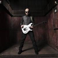 Joe Satriani Comes to The Paramount Tonight