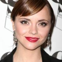 Lifetime's LIZZIE BORDEN TOOK AN AX with Christina Ricci to Premiere 1/25