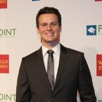 LOOKING's Jonathan Groff Becomes Emotional Upon Receiving LGBTQ Honor
