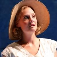 BWW Reviews:  Stoppard's INDIAN INK Captivatingly Blends Romance, Sensuality, Politics and Culture