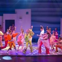 BWW Reviews: MAMMA MIA! Still the Reigning Dancing Queen