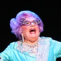 BWW Reviews: DAME EDNA's Glorious Return