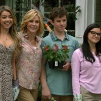 BWW Recap: New Neighbors Move In on This Week's MODERN FAMILY