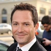 Thomas Lennon Signs On for Sean Hayes Comedy Pilot for NBC