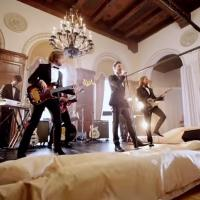 VIDEO: MAROON 5 Become Real-Life Wedding Crashers in New 'Sugar' Video