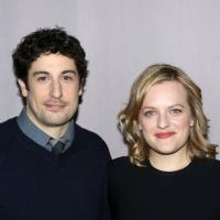 FREEZE FRAME: Jason Biggs, Elisabeth Moss, Bryce Pinkham & THE HEIDI CHRONICLES Cast Meet the Press!
