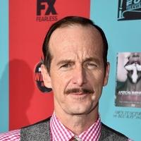 Denis O'Hare On Gay Bars & Progressive Narrative Of AMERICAN HORROR STORY: FREAK SHOW