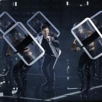 Photo Flash: Nick Jonas Performs Hit Single 'Chains' on THE VOICE