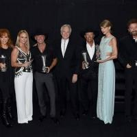 Luke Bryan, Miranda Lambert Among Winners of 50th ACADEMY OF COUNTRY MUSIC AWARDS; Full List!