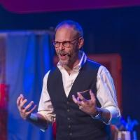 BWW Interview: Alton Brown Takes Quirky Culinary Science on the Road in THE EDIBLE INEVITABLE TOUR