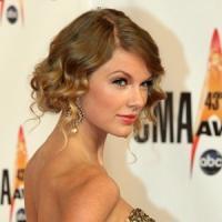 Taylor Swift to Receive CMA Pinnacle Award at 47th ANNUAL CMA AWARDS