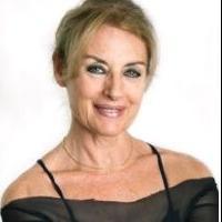 Coco Comin se inspira en el Moulin Rouge para celebrar sus 50 años de trayectoria