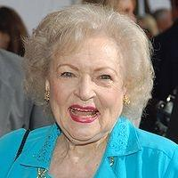 Betty White, Steve Harvey & More to Present at HLN's DAYTIME ENTERTAINMENT EMMY AWARDS Tonight