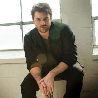 Chris Young Cancels CMA Music Festival Signing Due to Injury