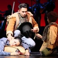 BWW Reviews: CRUZAR LA CARA DE LA LUNA - A Crowd-Pleasing Exercise in Pop Opera