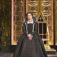 BWW Reviews: Twyford and Norris Rule as Rival Queens in Folger Theatre's Superb MARY STUART