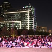 The Dallas Opera's Live Simulcast of THE MARRIAGE OF FIGARO Brings In a Crowd of 7,000