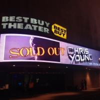 CHRIS YOUNG Ends NYC Run with Sold-Out Show at Best Buy Theater