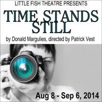 BWW Reviews: TIME STANDS STILL Focuses on Living Through the Lens of a Camera as Opposed to Real Life