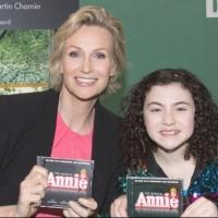 Photo Coverage: Jane Lynch, Lilla Crawford & ANNIE Cast Sign Albums at Barnes & Noble!