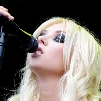 THE PRETTY RECKLESS Announced As The Headliner For The 2013 SnoCore Tour
