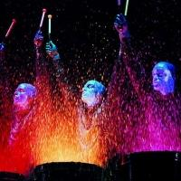 BWW Reviews: NEW YORK, BROADWAY, I BLUE MAN E LA MAGIA DEL NATALE