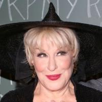 Photo Coverage: Bette Midler Hosts 19th Annual Hulaween Gala: Fellini Hulaweeni