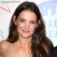 Katie Holmes 'Can't Move Past' DAWSON'S CREEK Role