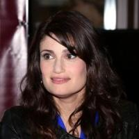 Idina Menzel Treated to Surprise 'Let It Go' Performance at Billboard Women in Music Awards